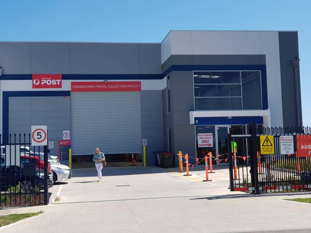Cranbourne Parcel Collection Centre | post office | 40 Paramount Blvd, Cranbourne West VIC 3977, Australia