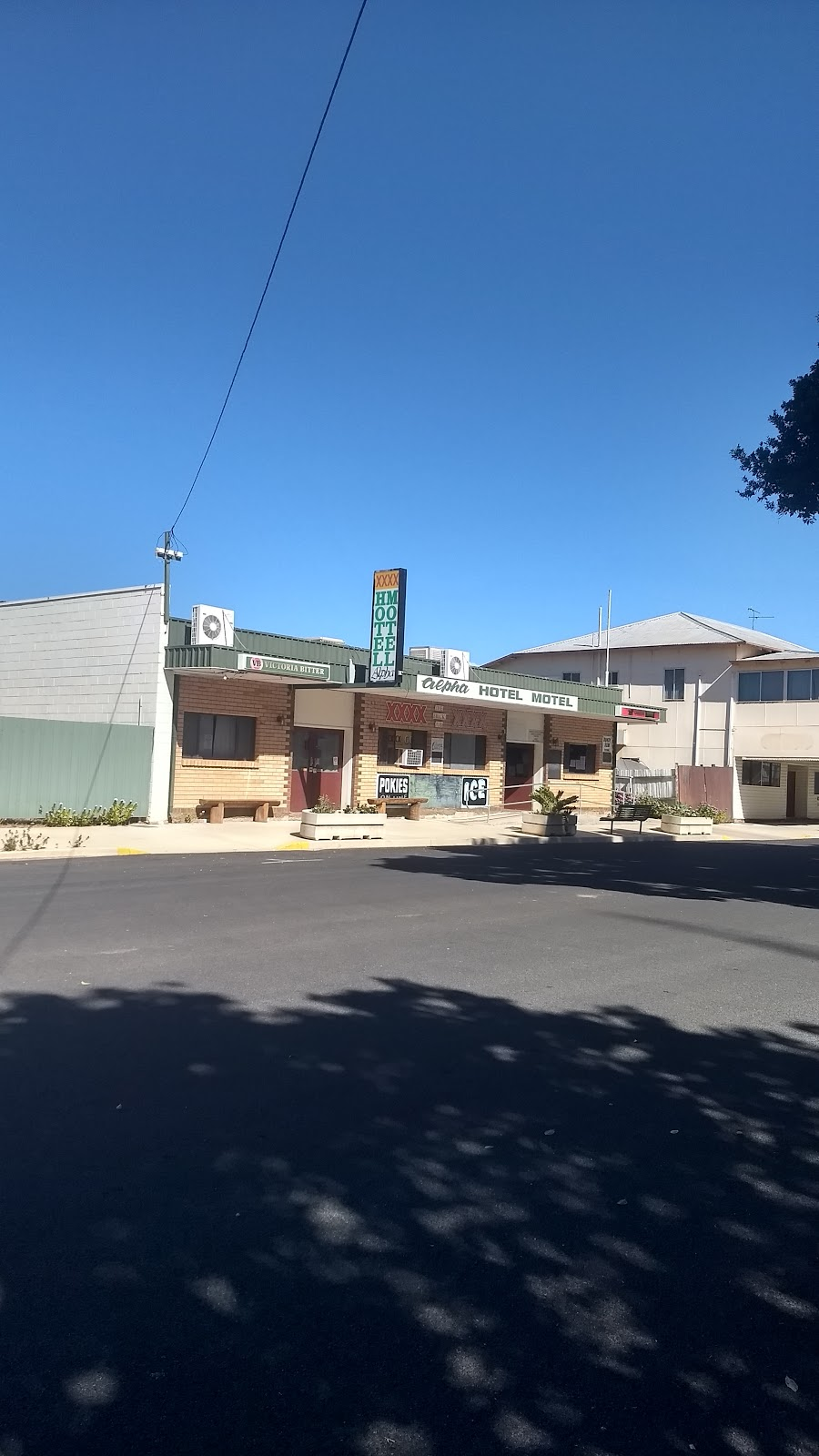 Alpha Hotel Motel | lodging | 33 Shakespeare St, Alpha QLD 4724, Australia | 0749851311 OR +61 7 4985 1311