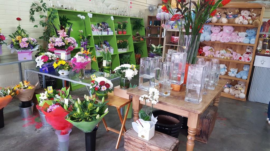 Rockingham Beach Florist | florist | 18 Kent St, Rockingham Beach WA 6168, Australia | 0895271245 OR +61 8 9527 1245