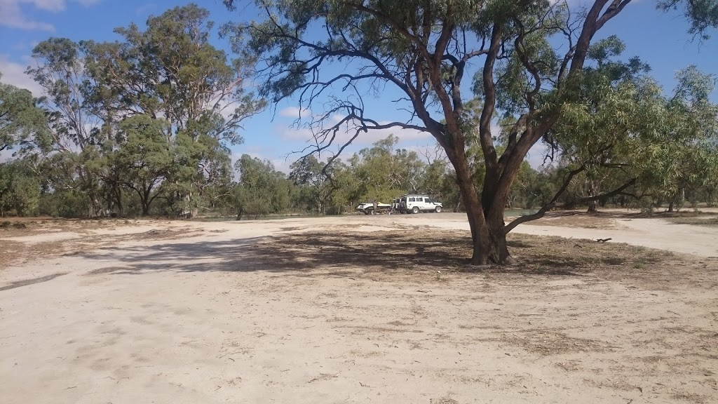 Old Shady Campsite | campground | Loveday 4x4 Park, Barmera SA, Spectacle Lake SA 5345, Australia