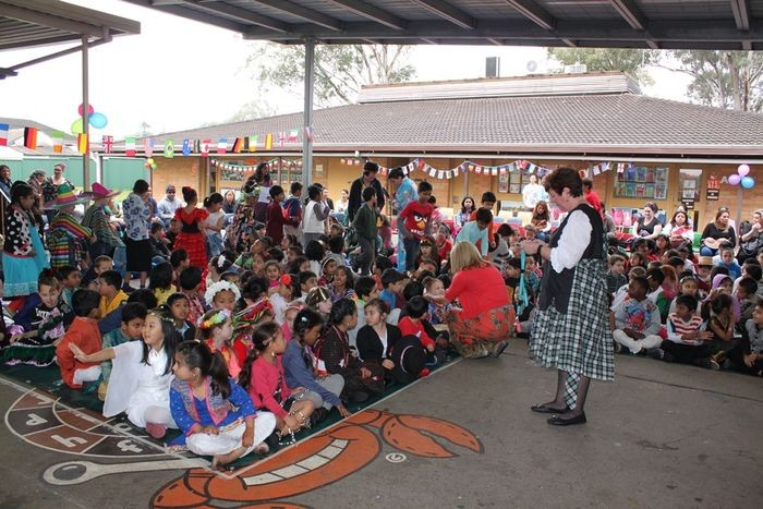 Glenfield Public School | school | 62 Railway Parade, Glenfield NSW 2167, Australia | 0296051540 OR +61 2 9605 1540