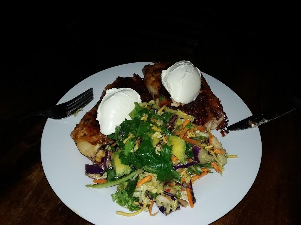 Hammett Street Fish Bar   meal takeaway   3/1-13 Hammett St, Currajong QLD 4812, Australia   0747792993 OR +61 7 4779 2993