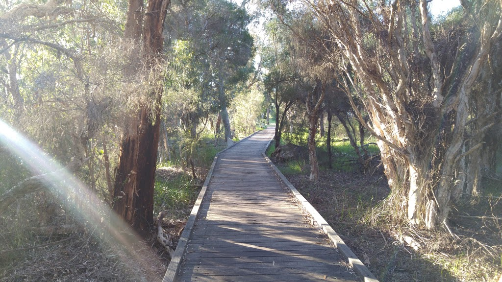 Piney Lakes Reserve | park | 555 Leach Hwy, Winthrop WA 6150, Australia | 1300635845 OR +61 1300 635 845