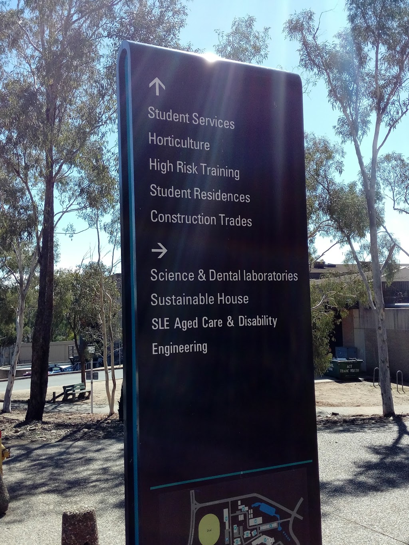 CIT Bruce | university | 35 Vowels Cres, Bruce ACT 2617, Australia | 0262073188 OR +61 2 6207 3188