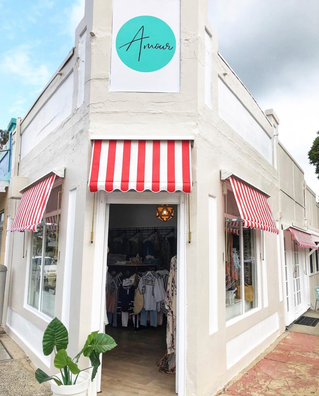 Amour | clothing store | 410 Booker Bay Rd, Booker Bay NSW 2257, Australia | 0497232614 OR +61 497 232 614