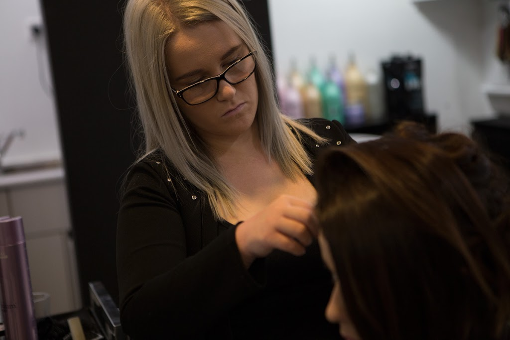 Uni Hair and Beauty Wollongong | hair care | Shop 5, G/Floor, Building, 17 Northfields Ave, University of Wollongong NSW 2522, Australia | 0242296131 OR +61 2 4229 6131