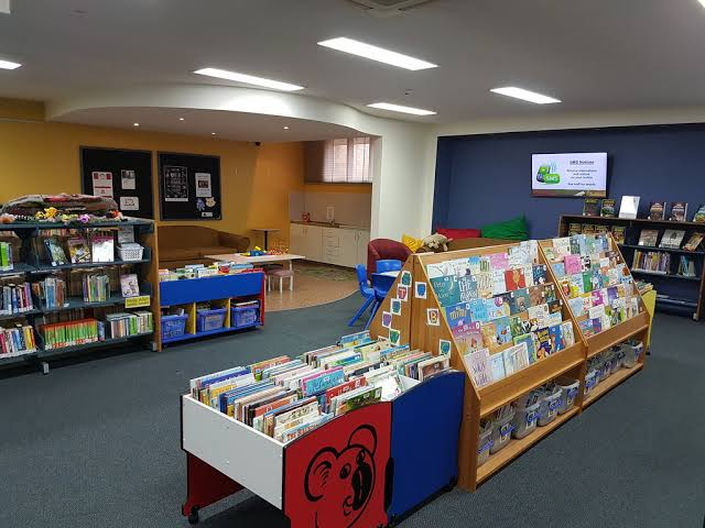 Cowra Libary (考拉圖書館) | library | 77 Darling St, Cowra NSW 2794, Australia | 0263402180 OR +61 2 6340 2180