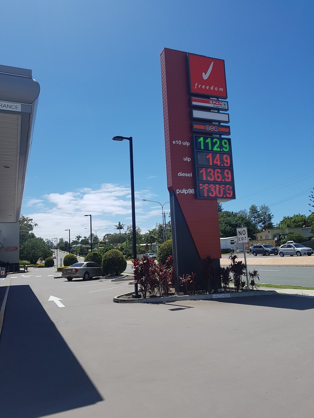 Freedom Fuels | gas station | Smith St Motorway, Southport QLD 4215, Australia | 0755313288 OR +61 7 5531 3288