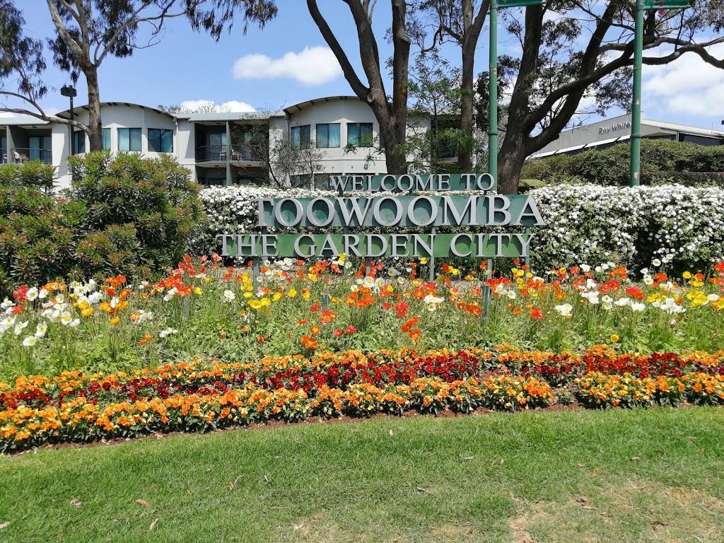 Coachman Motel   lodging   4 Burnage St, Toowoomba City QLD 4350, Australia   0746393707 OR +61 7 4639 3707