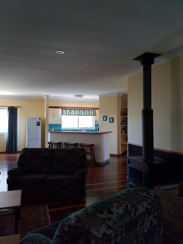 Big Picture   lodging   52 Bowerbird Ln, Bunya Mountains QLD 4405, Australia   0746683126 OR +61 7 4668 3126