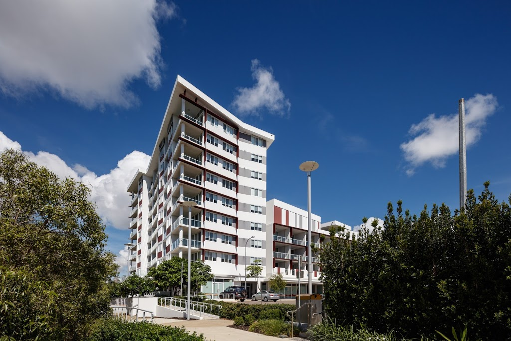 Central Holborn by Vivo | lodging | 4 Kingsway Pl, Townsville City QLD 4810, Australia | 0747243378 OR +61 7 4724 3378