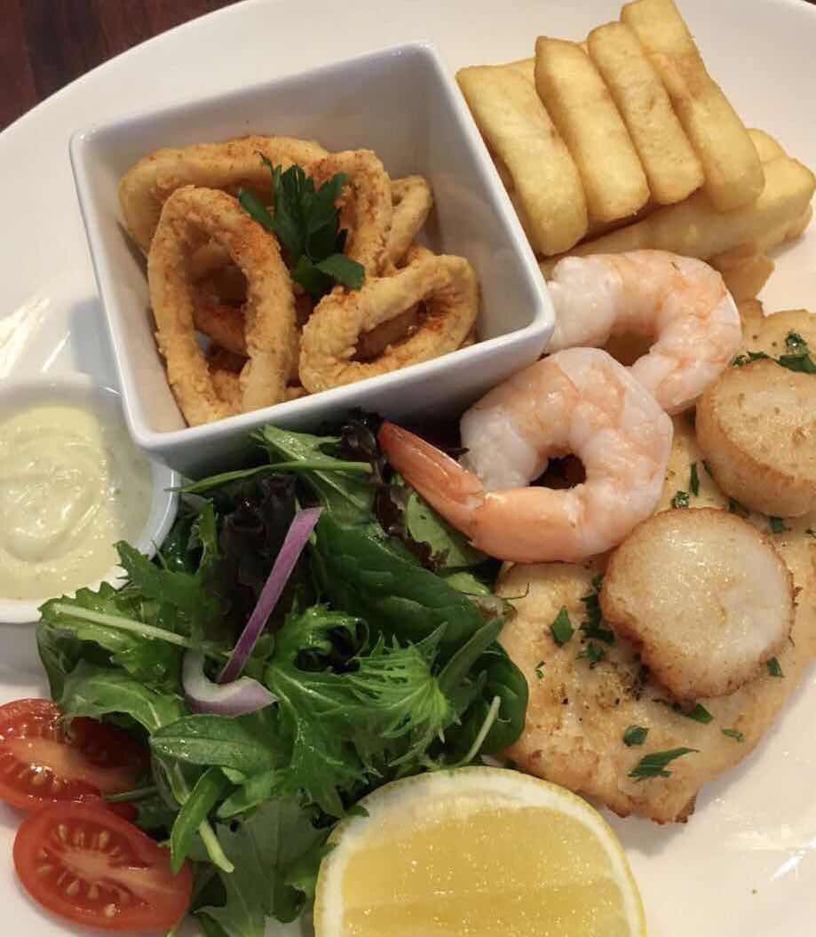 Gourmet Seafood | restaurant | 148 Scarborough Beach Rd, Mount Hawthorn WA 6016, Australia | 0892423228 OR +61 8 9242 3228