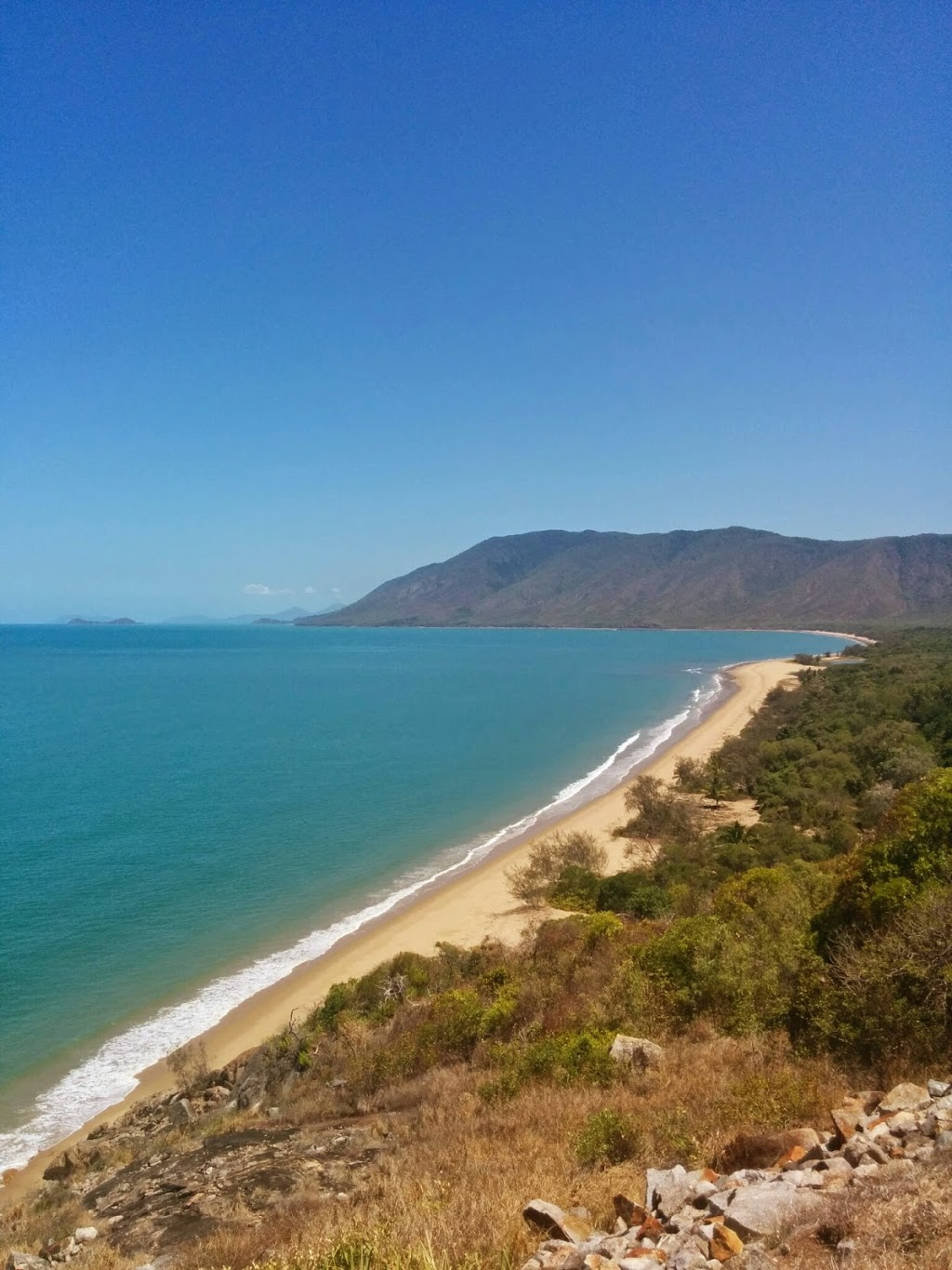 North Cairns Reserve   park   Lake St, Cairns North QLD 4870, Australia   0740443044 OR +61 7 4044 3044
