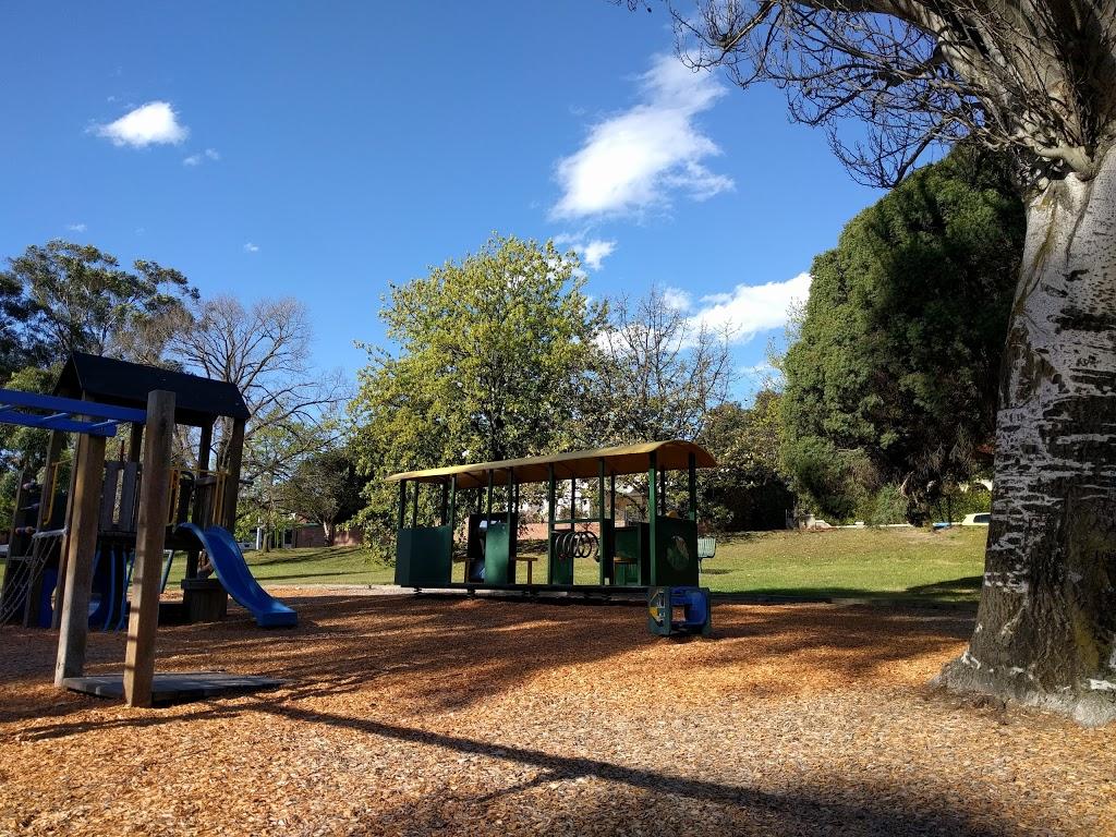 Deepdene Park   park   118-126 Whitehorse Rd, Deepdene VIC 3103, Australia   0392784595 OR +61 3 9278 4595