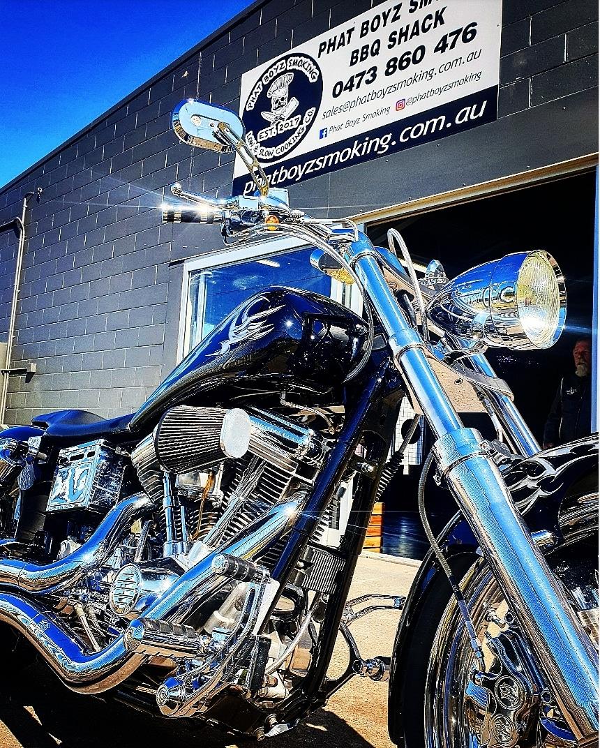 Phat Boyz Smoking | cafe | 18 Mining St, Bundamba QLD 4304, Australia