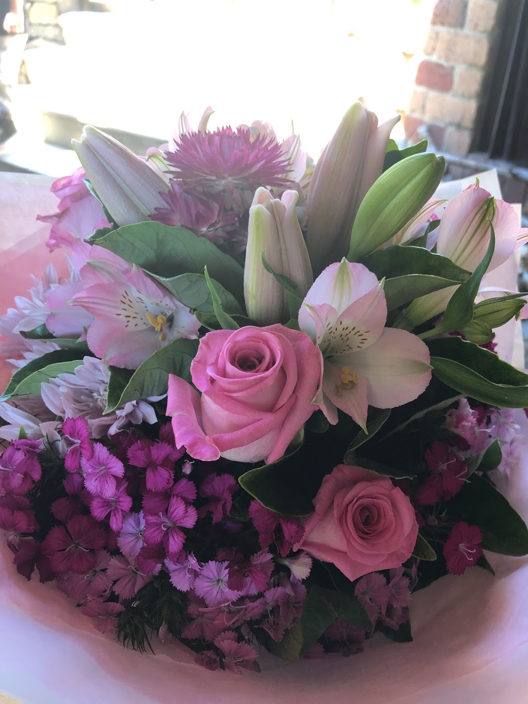 The Wilde Bunch | florist | 799 Heidelberg-Kinglake Rd, Hurstbridge VIC 3099, Australia | 0397182565 OR +61 3 9718 2565
