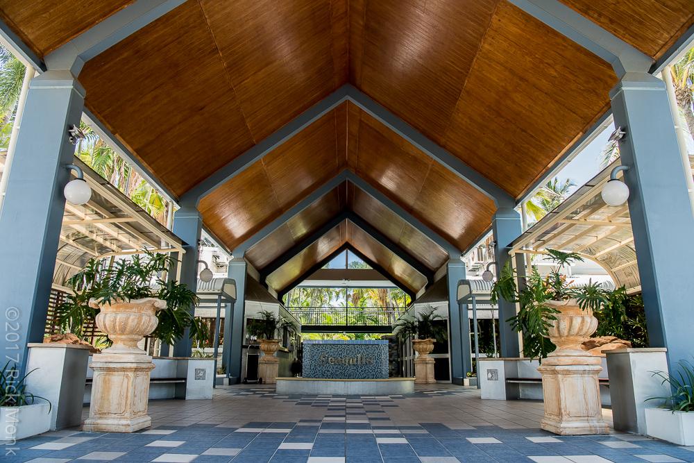 Seagulls Resort | lodging | 74 The Esplanade, Belgian Gardens QLD 4810, Australia | 0747213111 OR +61 7 4721 3111