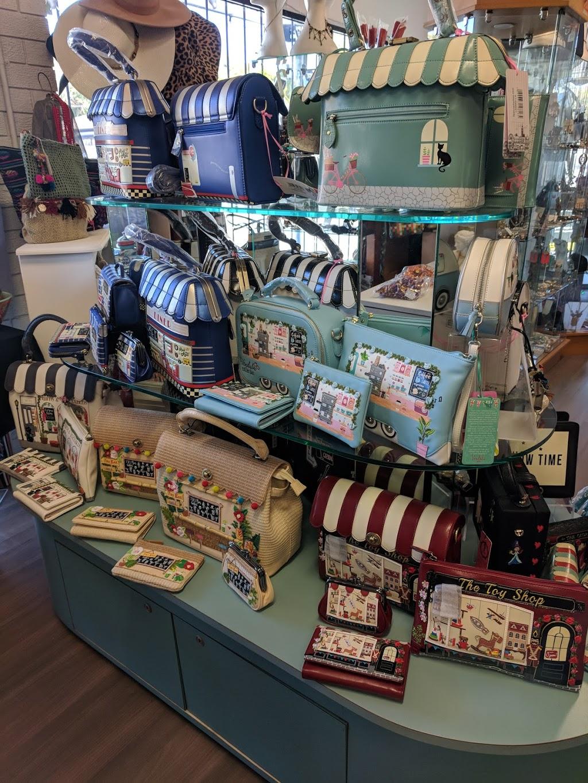Boomerang Bags   clothing store   Labrador QLD 4215, Australia   0427499557 OR +61 427 499 557