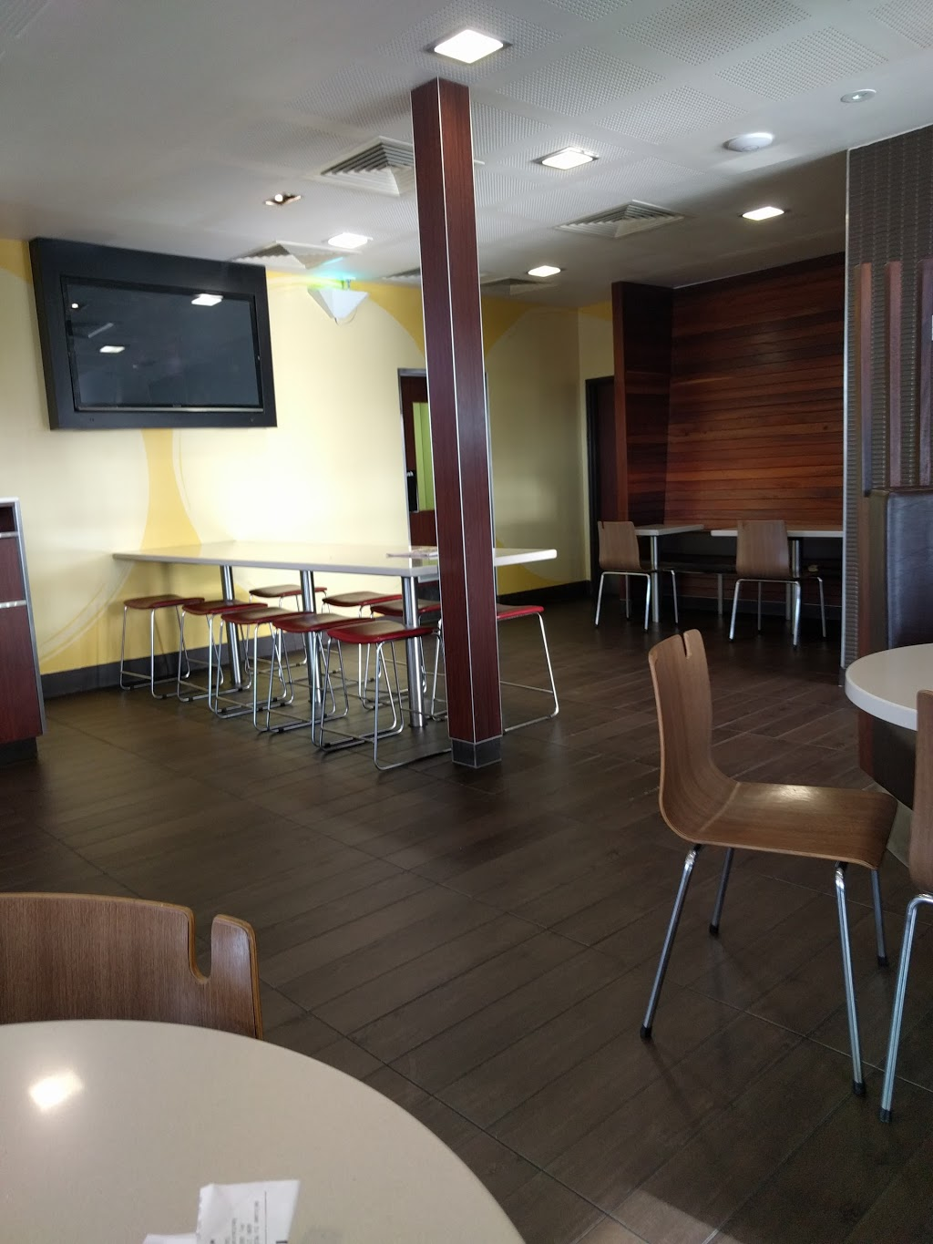 McDonalds Broadmeadows | cafe | 1171-1173 Pascoe Vale Rd, Broadmeadows VIC 3047, Australia | 0393099145 OR +61 3 9309 9145