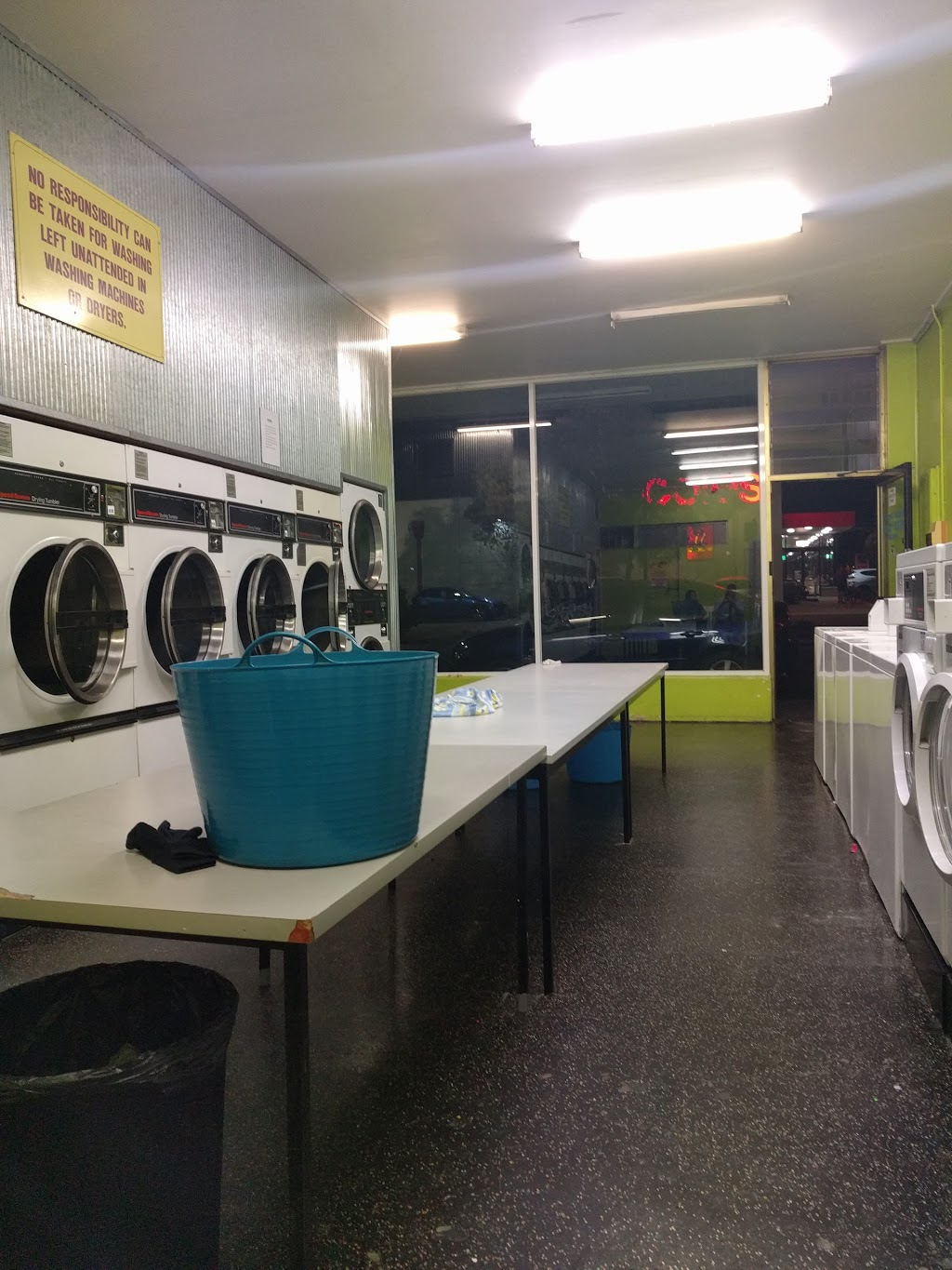 Coin Operated Laundry | laundry | 126 Clarence St, Geelong West VIC 3218, Australia | 0438542900 OR +61 438 542 900