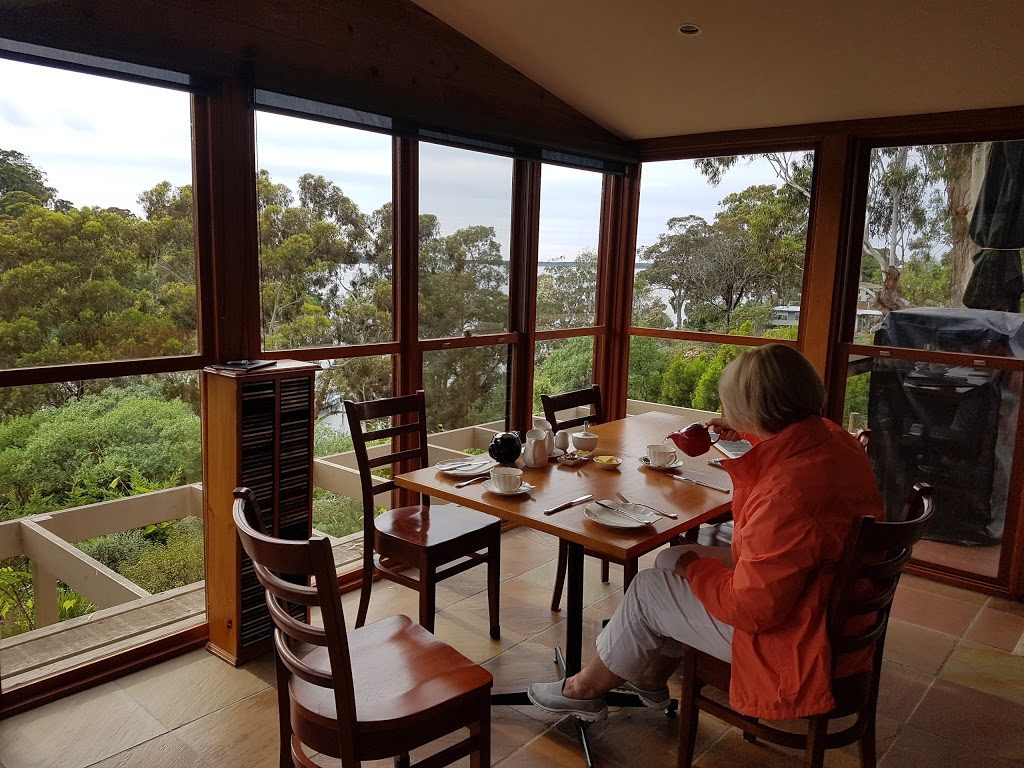 Anchorage Bed and Breakfast | lodging | 11 The Anchorage, Metung VIC 3904, Australia | 0407762569 OR +61 407 762 569