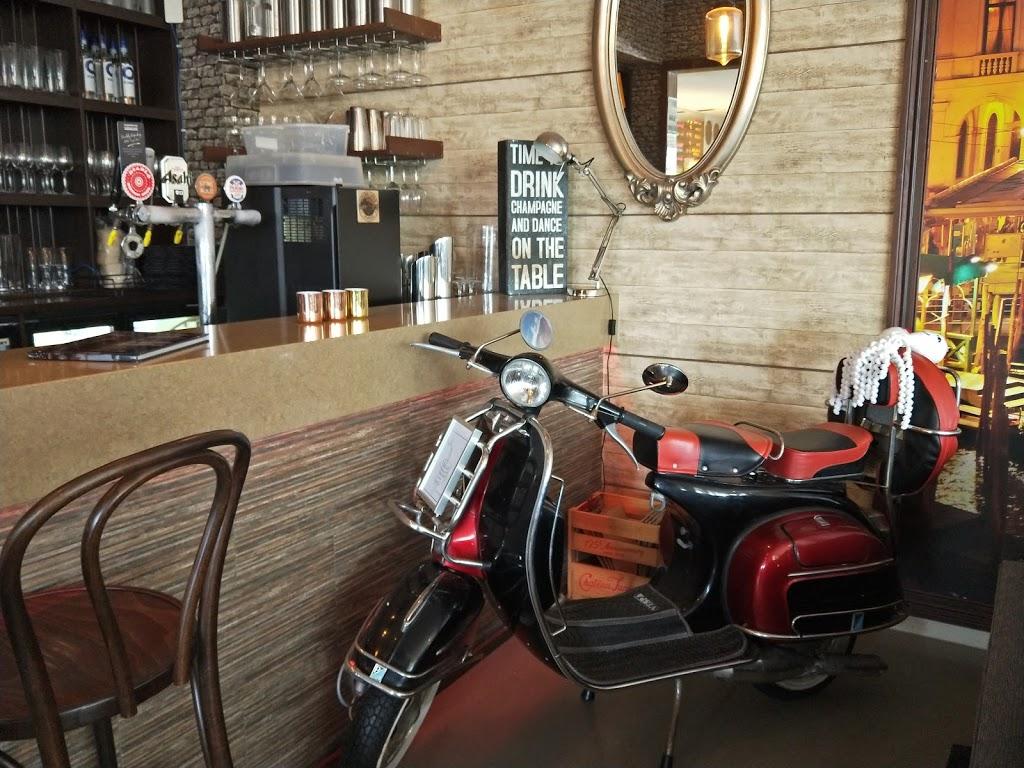 Mykies By The Bay   restaurant   5 Grand Parade, Parrearra QLD 4575, Australia   0754379366 OR +61 7 5437 9366