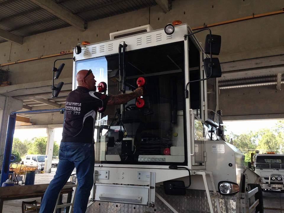 Hervey Bay Mobile Windscreens | car repair | 3/93 Old Maryborough Rd, Pialba QLD 4655, Australia | 0447177778 OR +61 447 177 778