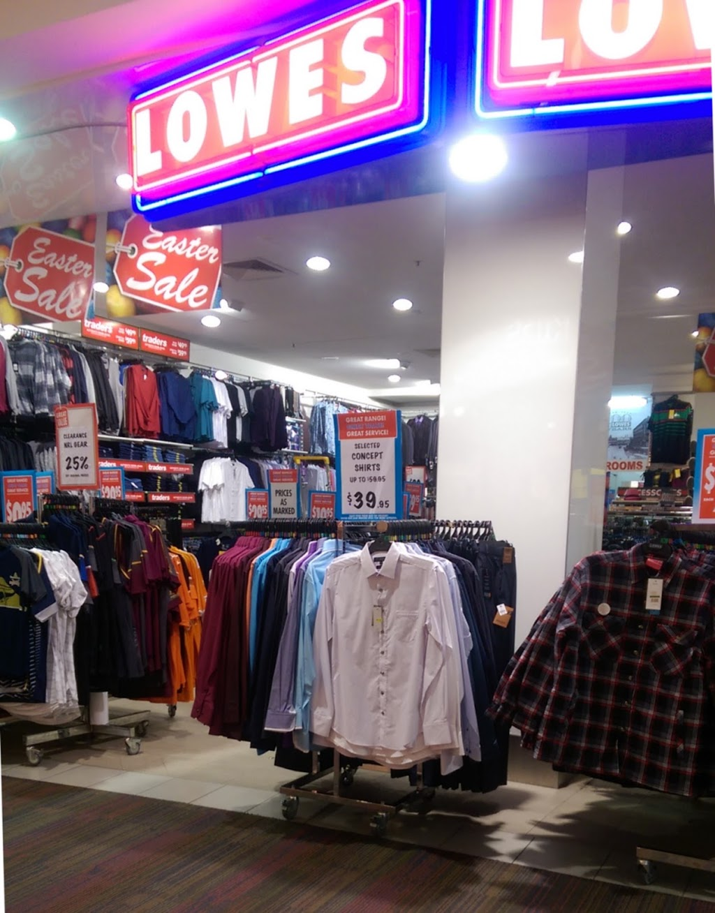 Lowes Hyde Park | clothing store | 141-142 Corner Woolcock Street and, Kings Rd, Hyde Park QLD 4812, Australia | 0747240312 OR +61 7 4724 0312