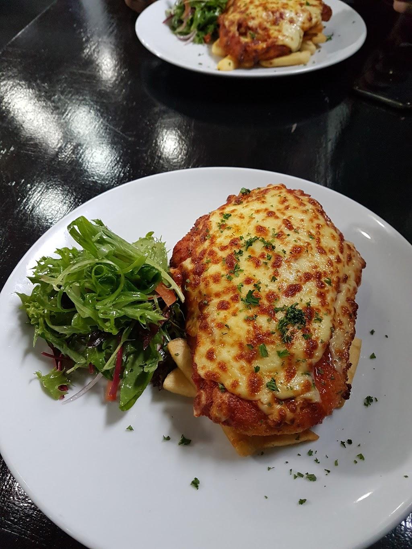Oddfellows Restaurant   cafe   43 Gellibrand St, Colac VIC 3250, Australia   0352316111 OR +61 3 5231 6111