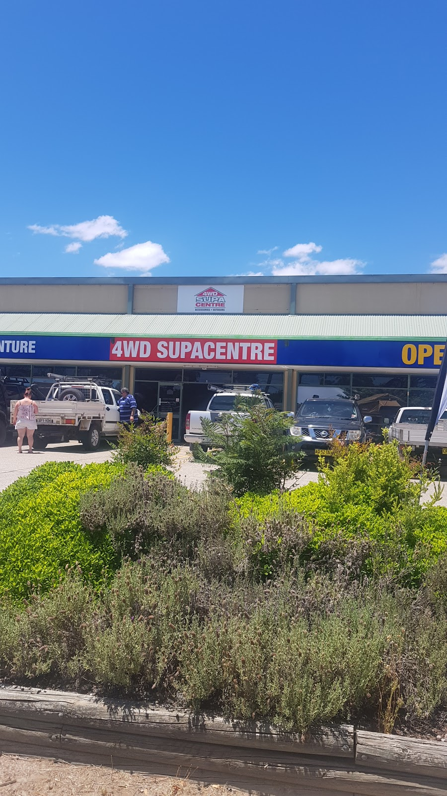 4WD Supacentre - Newcastle | store | Shop 2/2364 Pacific Hwy, Heatherbrae NSW 2324, Australia | 1800883964 OR +61 1800 883 964