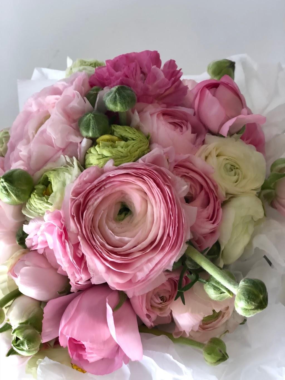 St Helena Flowers | florist | Shop 11A/214 Aqueduct Rd, St Helena VIC 3088, Australia | 0384065716 OR +61 3 8406 5716