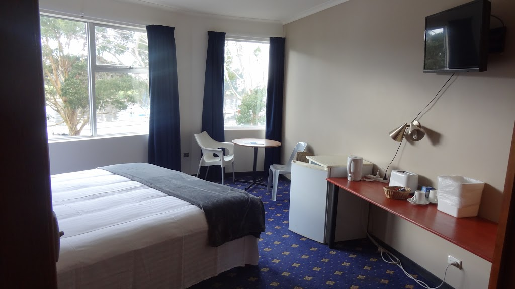 The Wharf Hotel Wynyard | lodging | 10 Goldie St, Wynyard TAS 7325, Australia | 0364422344 OR +61 3 6442 2344