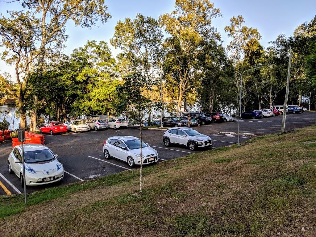 TJ Doyle Memorial Car Park (Formerly Dutton Park - St Lucia Ferr   parking   T J Doyle Memorial Dr, Dutton Park QLD 4102, Australia