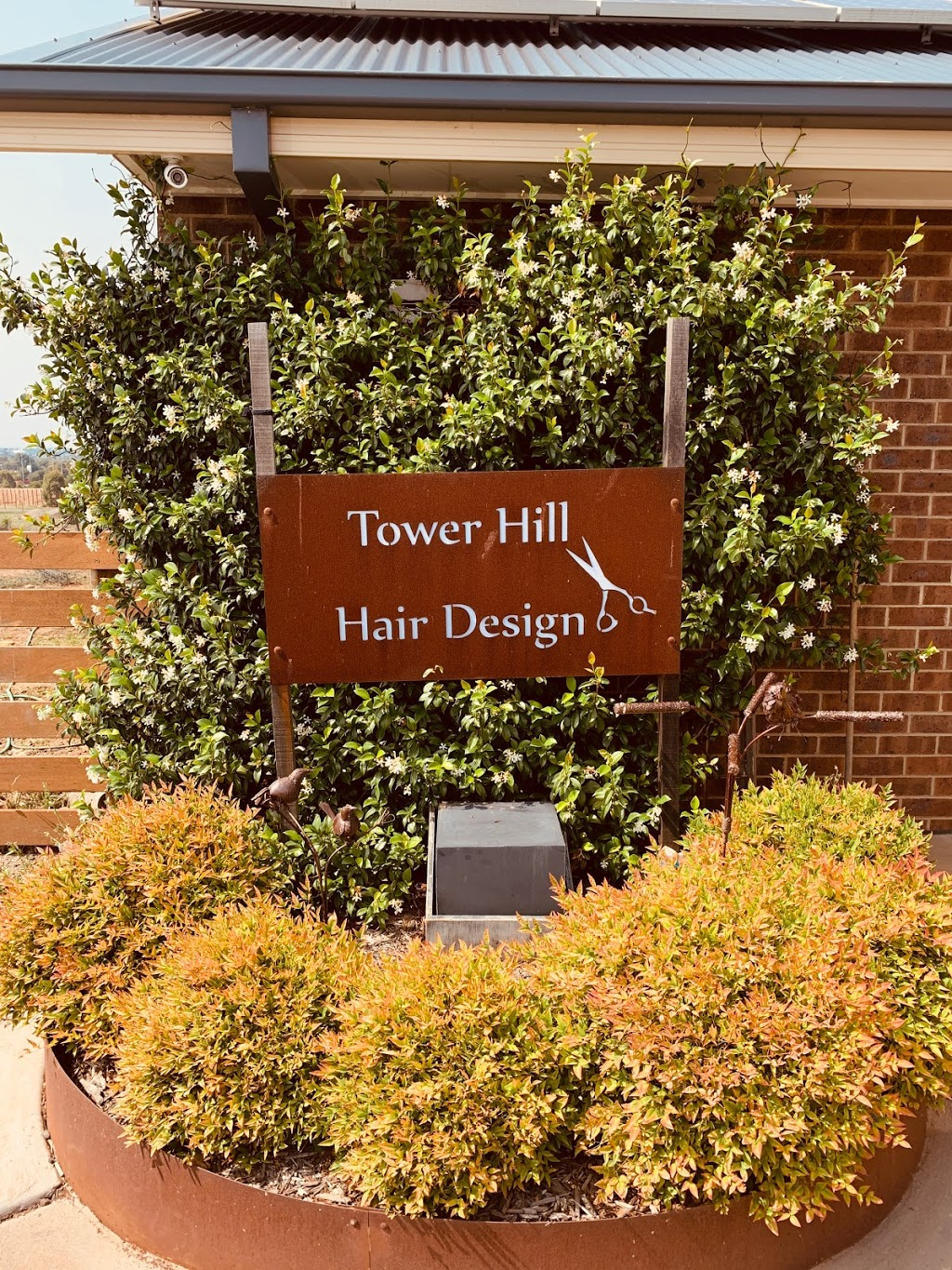Tower Hill Hair Design | hair care | 245 Tower Hill Dr, Lovely Banks VIC 3213, Australia | 0352754049 OR +61 3 5275 4049
