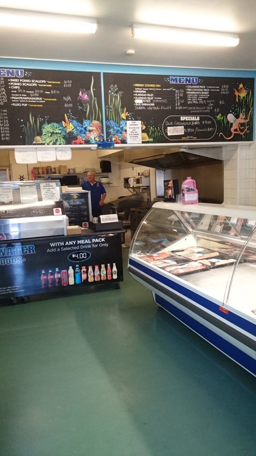Blue Water Seafoods | meal takeaway | 1/40 Princes Hwy, Narooma NSW 2546, Australia | 0244763222 OR +61 2 4476 3222