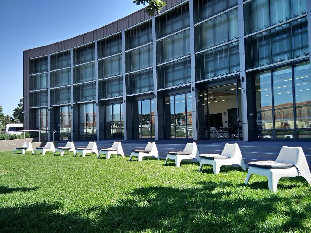 Newport Community Hub | library | 13/15 Mason St, Newport VIC 3015, Australia | 0399321234 OR +61 3 9932 1234