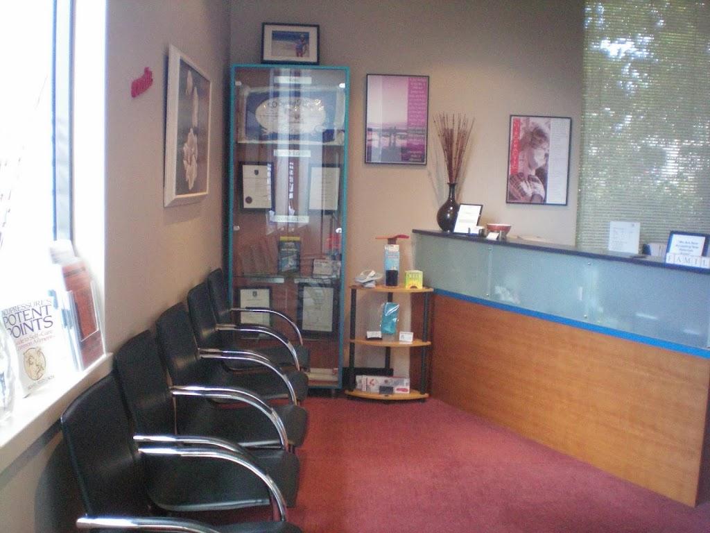 Chiro 4 Family Wellness - Menai Chiropractor   health   62-70 Allison Cres, Menai NSW 2234, Australia   0295412100 OR +61 2 9541 2100