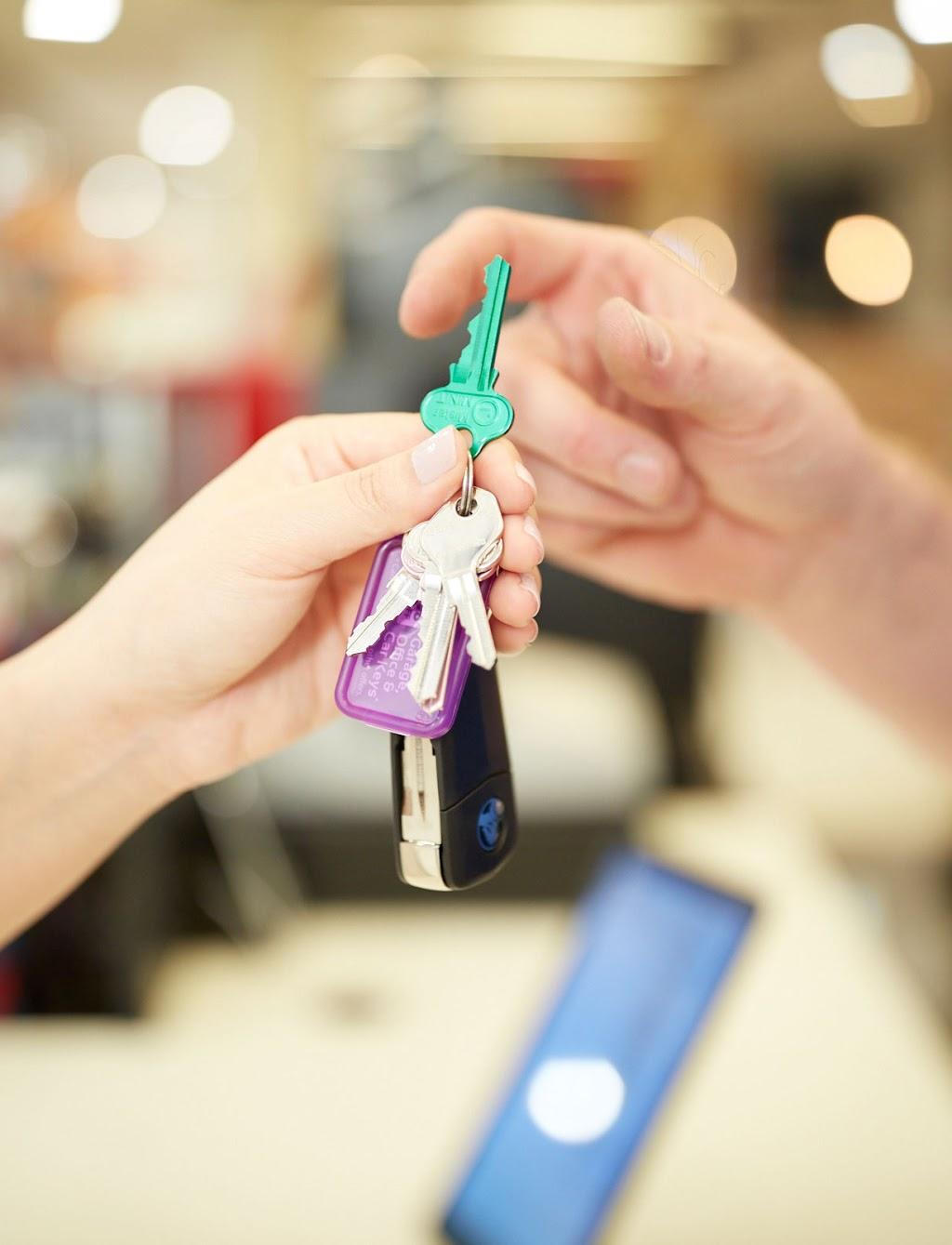 Mister Minit Greensborough Plaza | locksmith | Kiosk 2K9 Greensborough Plaza, 25 Main St, Greensborough VIC 3088, Australia | 0394323152 OR +61 3 9432 3152