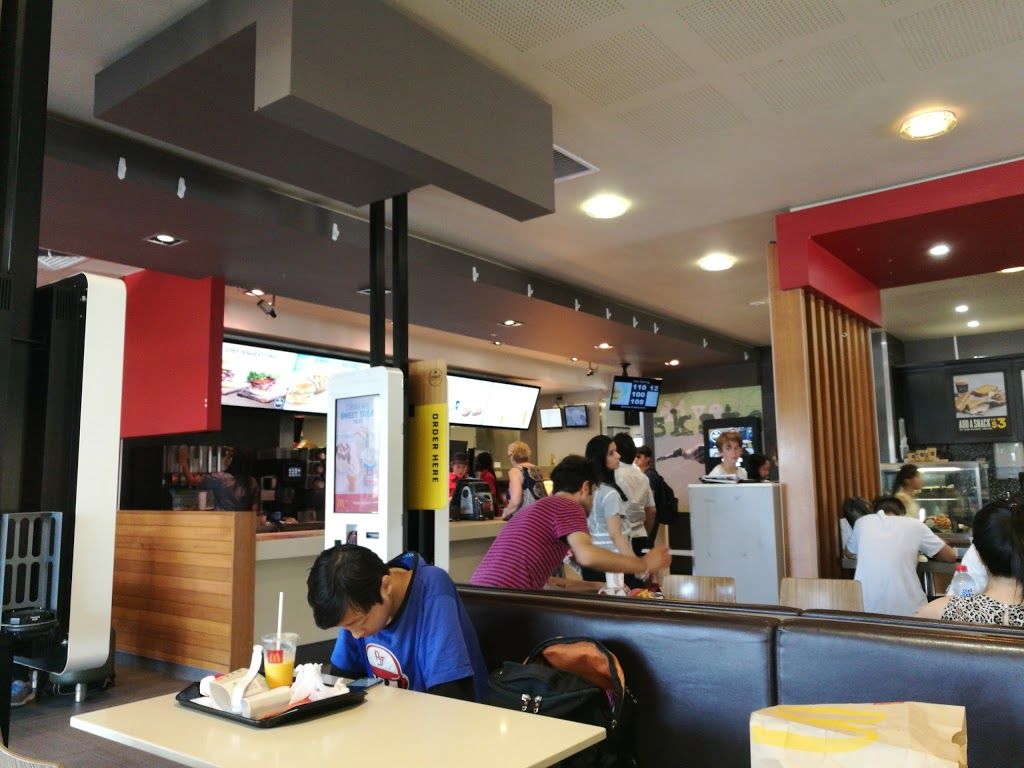 McDonalds Clayton II | meal takeaway | 1736-1740 Dandenong Rd, Clayton VIC 3168, Australia | 0395432520 OR +61 3 9543 2520