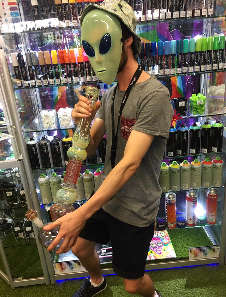 Cloud 9 Smoke Shop Wanneroo | store | 5/957 Wanneroo Rd, Wanneroo WA 6065, Australia | 0894057914 OR +61 8 9405 7914