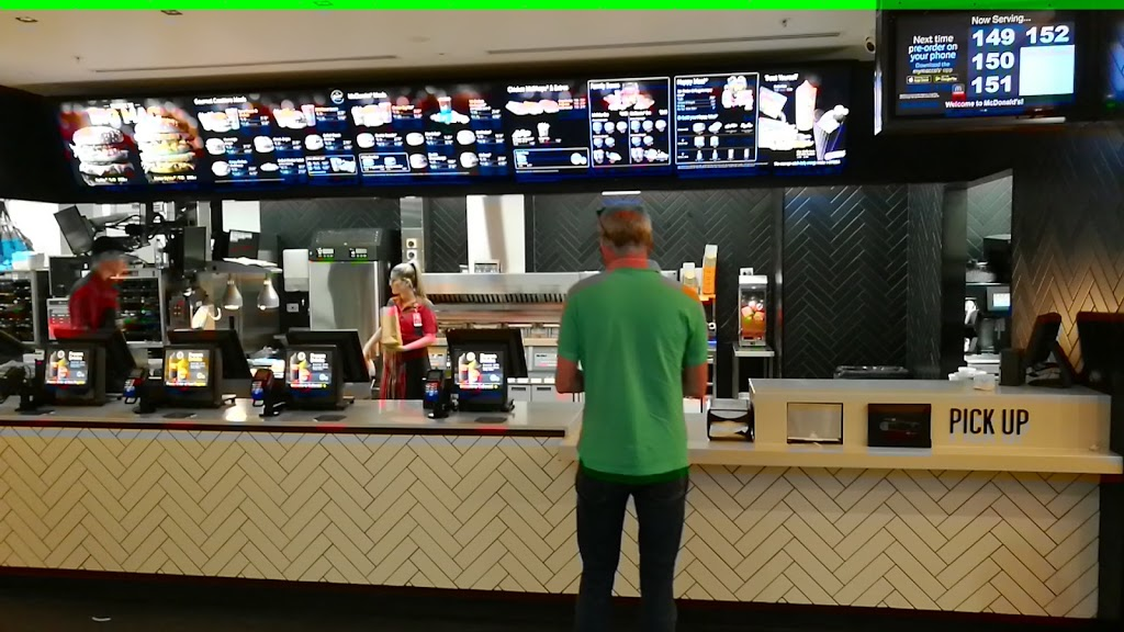 McDonalds International Airside III | cafe | Sydney Airport Tenancy BF-20 T1 Terminal, Departure Plaza, Mascot NSW 2020, Australia | 0283626500 OR +61 2 8362 6500
