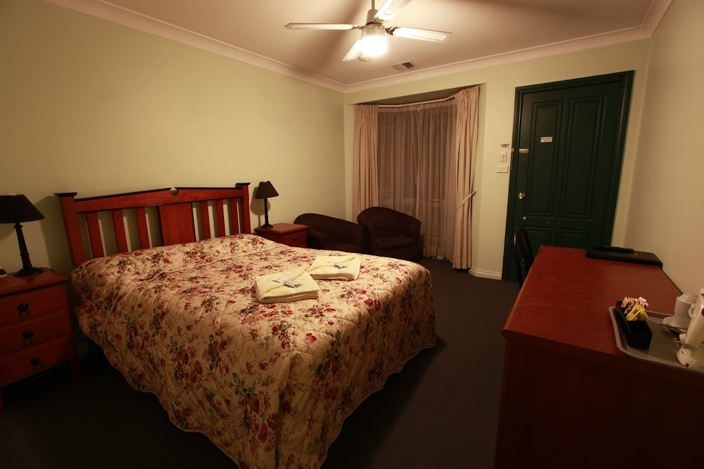 Miranda Lodge | lodging | 534 Northbourne Ave, Downer ACT 2602, Australia | 0262498038 OR +61 2 6249 8038