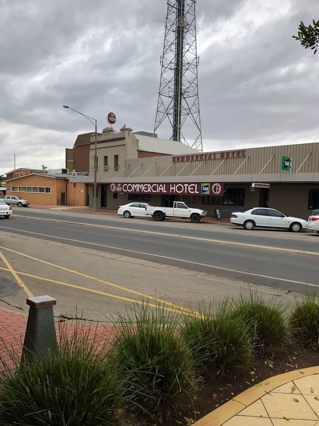 Commercial Hotel | restaurant | 91 Campbell St, Swan Hill VIC 3585, Australia | 0350321214 OR +61 3 5032 1214