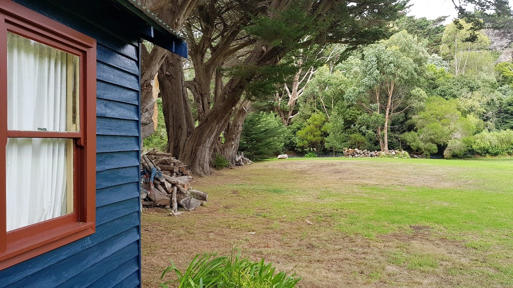Willowhaven Holiday Home Skenes Creek | lodging | 30 Skenes Creek Valley Rd, Skenes Creek VIC 3233, Australia | 0352372600 OR +61 3 5237 2600