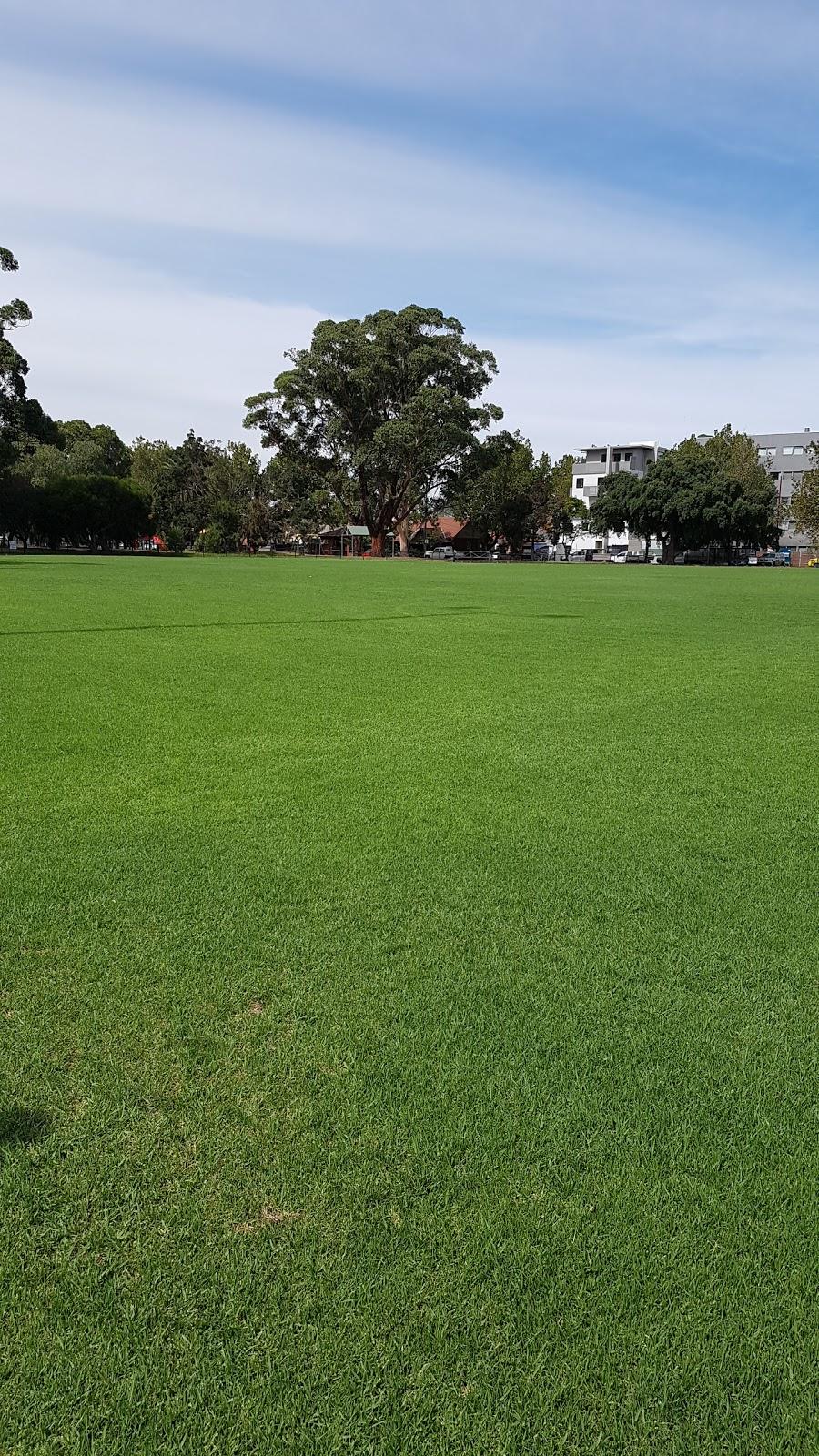 East Caulfield Reserve | park | Dudley St & Dandenong Road, Caulfield East VIC 3145, Australia | 0395243333 OR +61 3 9524 3333