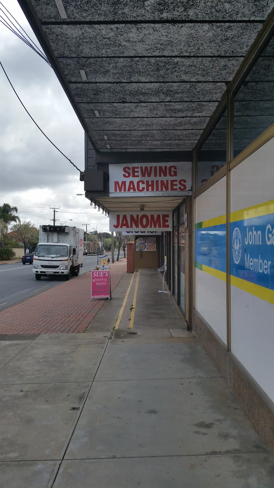 Sues Sewing world | home goods store | 165 St Bernards Rd, Rostrevor SA 5073, Australia | 0883651005 OR +61 8 8365 1005