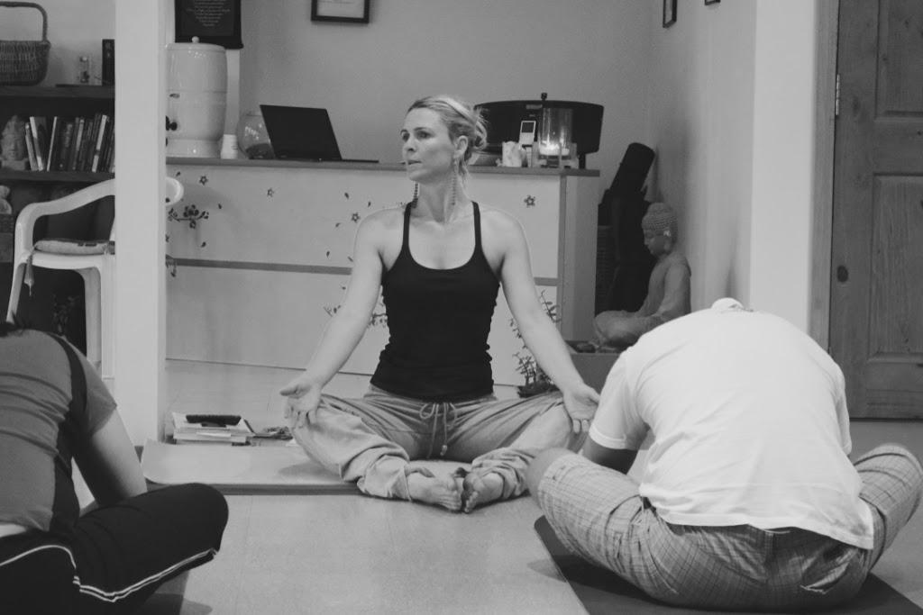 Austral Yoga | gym | 20A Ninth Ave, Austral NSW 2179, Australia | 0411425535 OR +61 411 425 535
