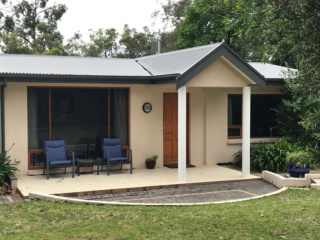 KW Cottage | lodging | 110 Sheoak Rd, Crafers West SA 5152, Australia | 0438864470 OR +61 438 864 470