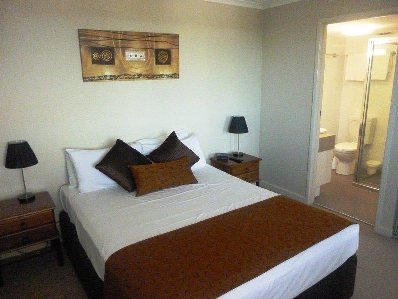 Coral Towers Holiday Apartments | lodging | 255 Esplanade, Cairns City QLD 4870, Australia | 0740465465 OR +61 7 4046 5465