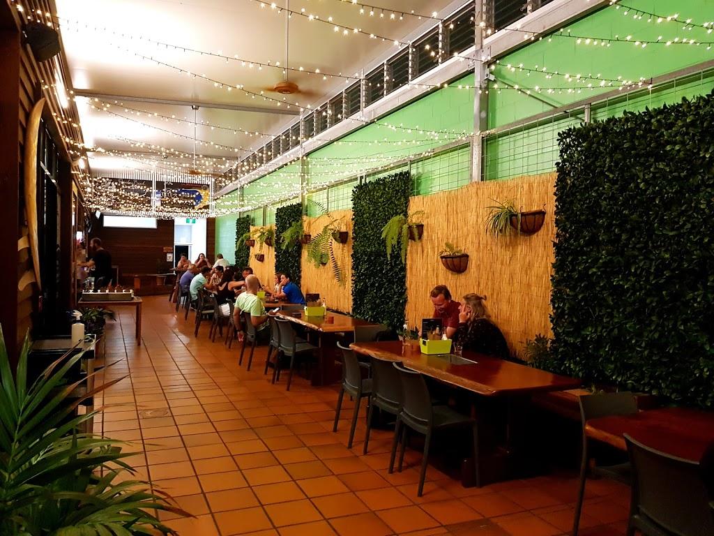 Brents Burgers | restaurant | 8 Rainbow Beach Rd, Rainbow Beach QLD 4581, Australia